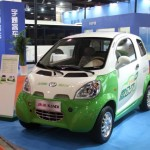 Shenzhen Limits Car Registrations Even as China Extends Electric-Car Incentives